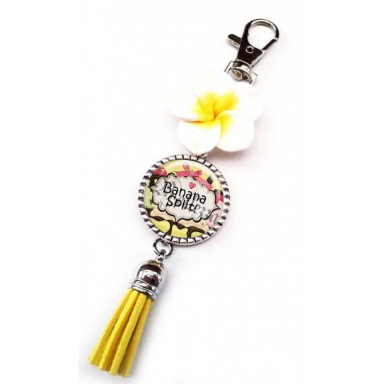 Bijoux de sac, portes clés, pompon, exotique, fleur, couleur vanille, texte fashion